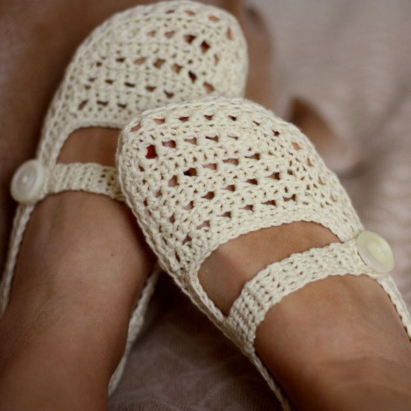 Crochet Patterns Slippers : Crochet Slipper Pattern - Free Crochet Slipper Pattern handmadeables